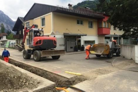 LWL Verlegung mit Wasserleitung Mai 2015 Photo WW-Lienz Schupfer Karl (1)